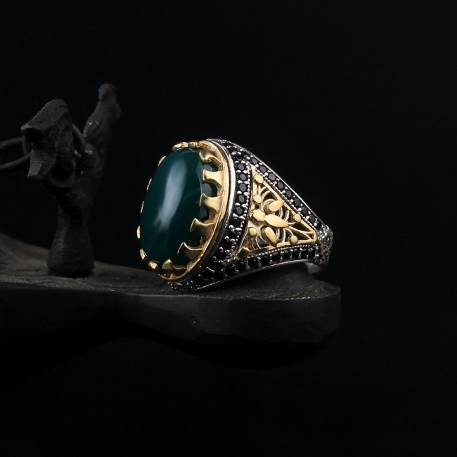 Silver ring with Agate stone green color
