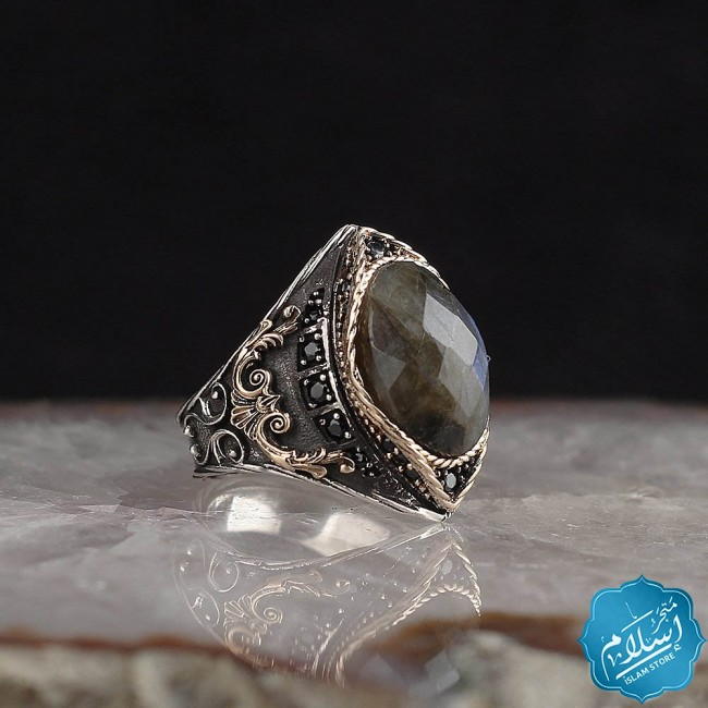 Mens silver ring caliber 925 with a green Labradorite stone