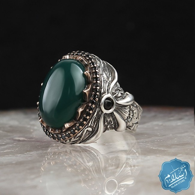 Silver ring with green agate stone