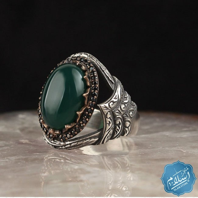 Silver men's ring with green agate stone