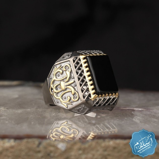 Silver men's ring with onyx stone